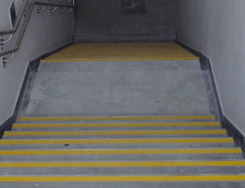 Označevanje stopnic in nivojskih prehodov